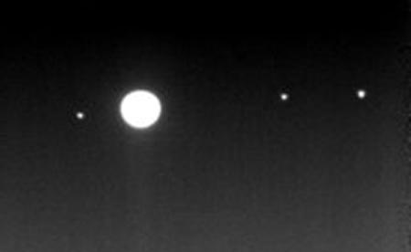 jupiter3_moons-re